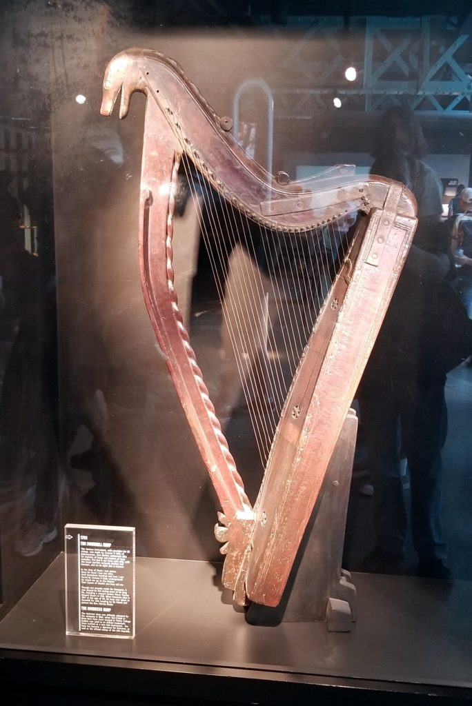 Harp located inTrinity College Dublin, Ireland